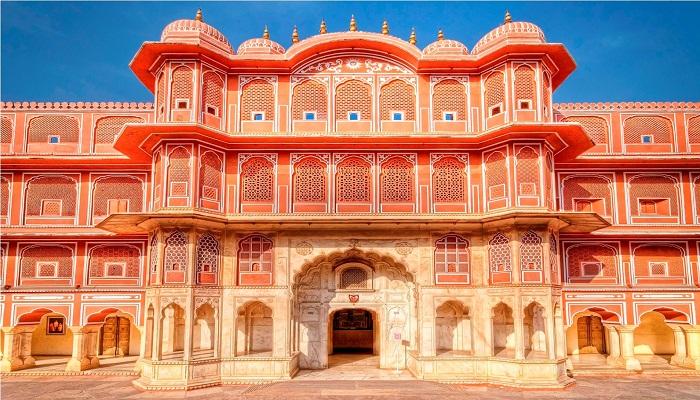 city-palace-jaipur-globetrouper
