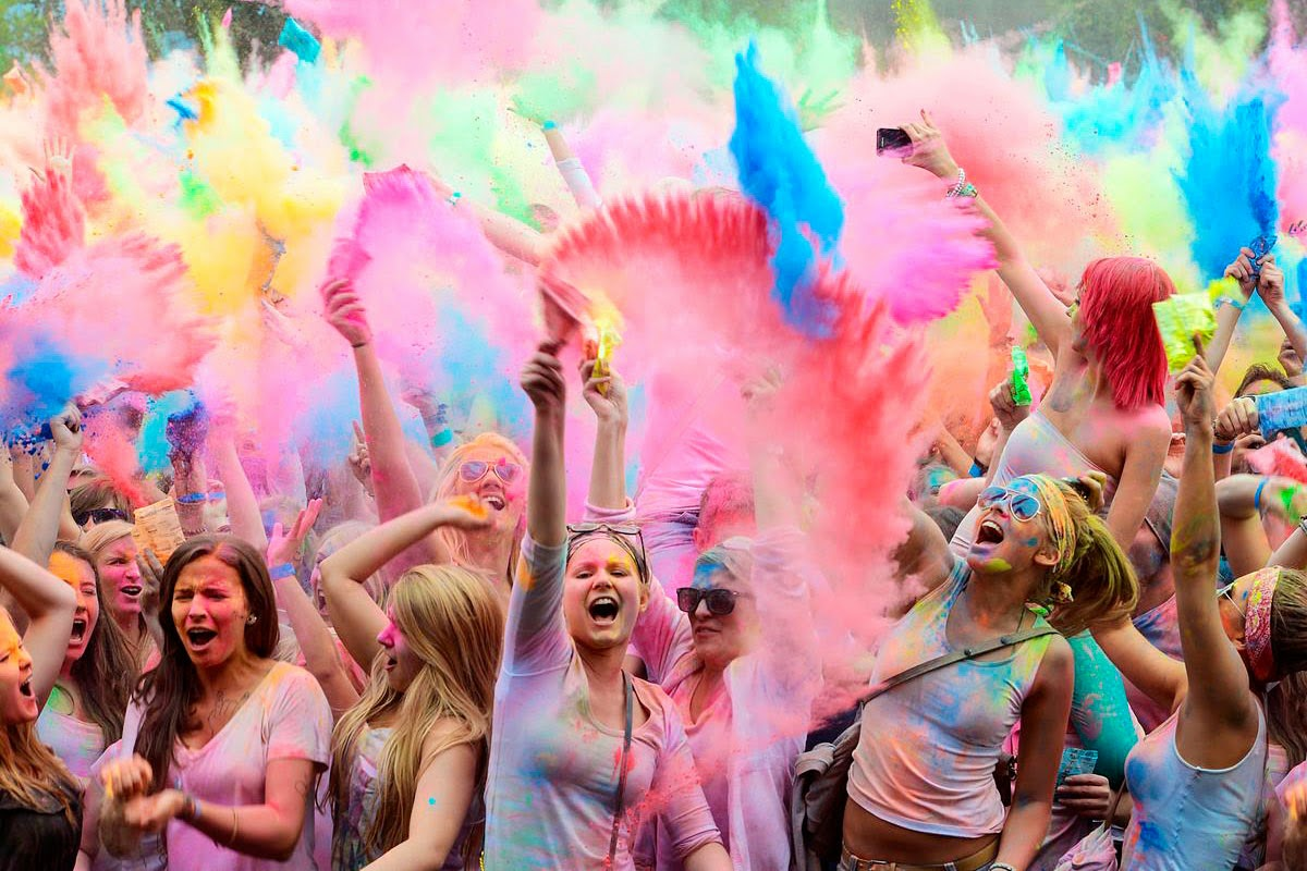 Colorful Happy Holi Globetrouper